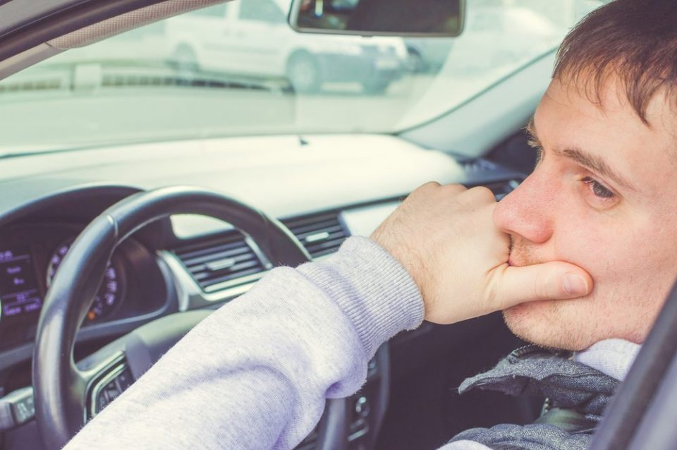 Multas - Entenda o que é a multa por interromper a via e como ela funciona - Recorra Aqui Blog