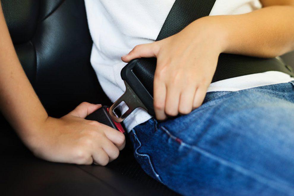 Dicas - Qual a importância de usar o cinto de segurança no banco traseiro - Recorra Aqui Blog