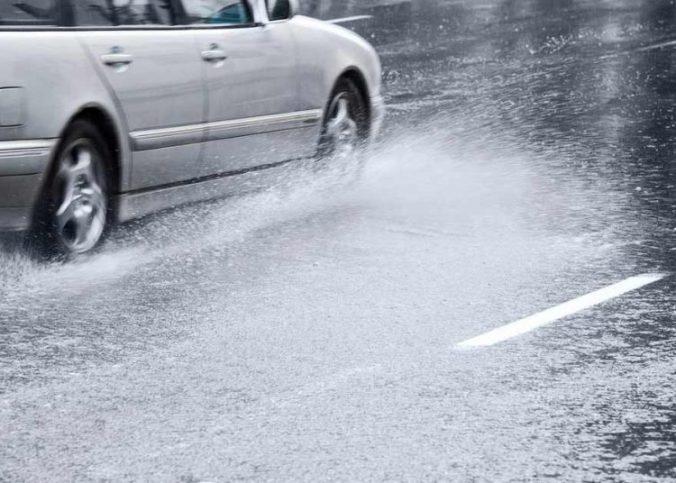 Dicas - Como evitar aquaplanagem em dias de chuva? - Recorra Aqui - Multas e CNH - aquaplanagem   chuva   como