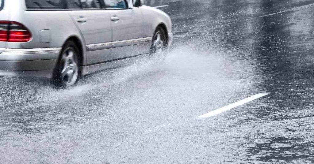 Dicas - Como evitar aquaplanagem em dias de chuva? - Recorra Aqui Blog