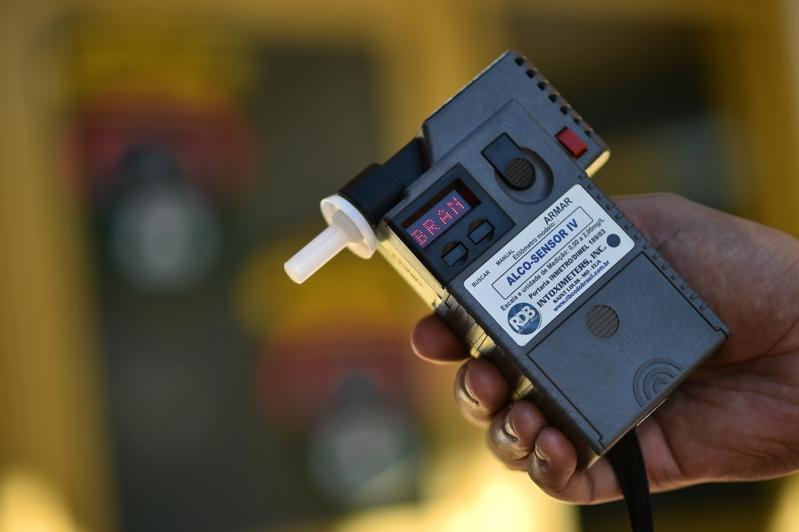 Bafômetro - Recusar o teste do bafômetro é suficiente para multa? - Recorra Aqui Blog