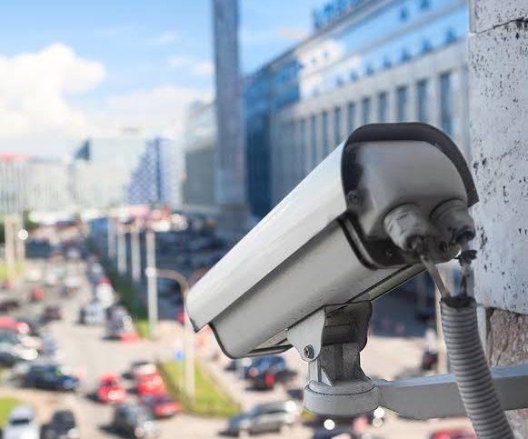 condutor - Justiça suspende multas e fiscalização de trânsito por videomonitoramento em todo Brasil - Recorra Aqui Blog