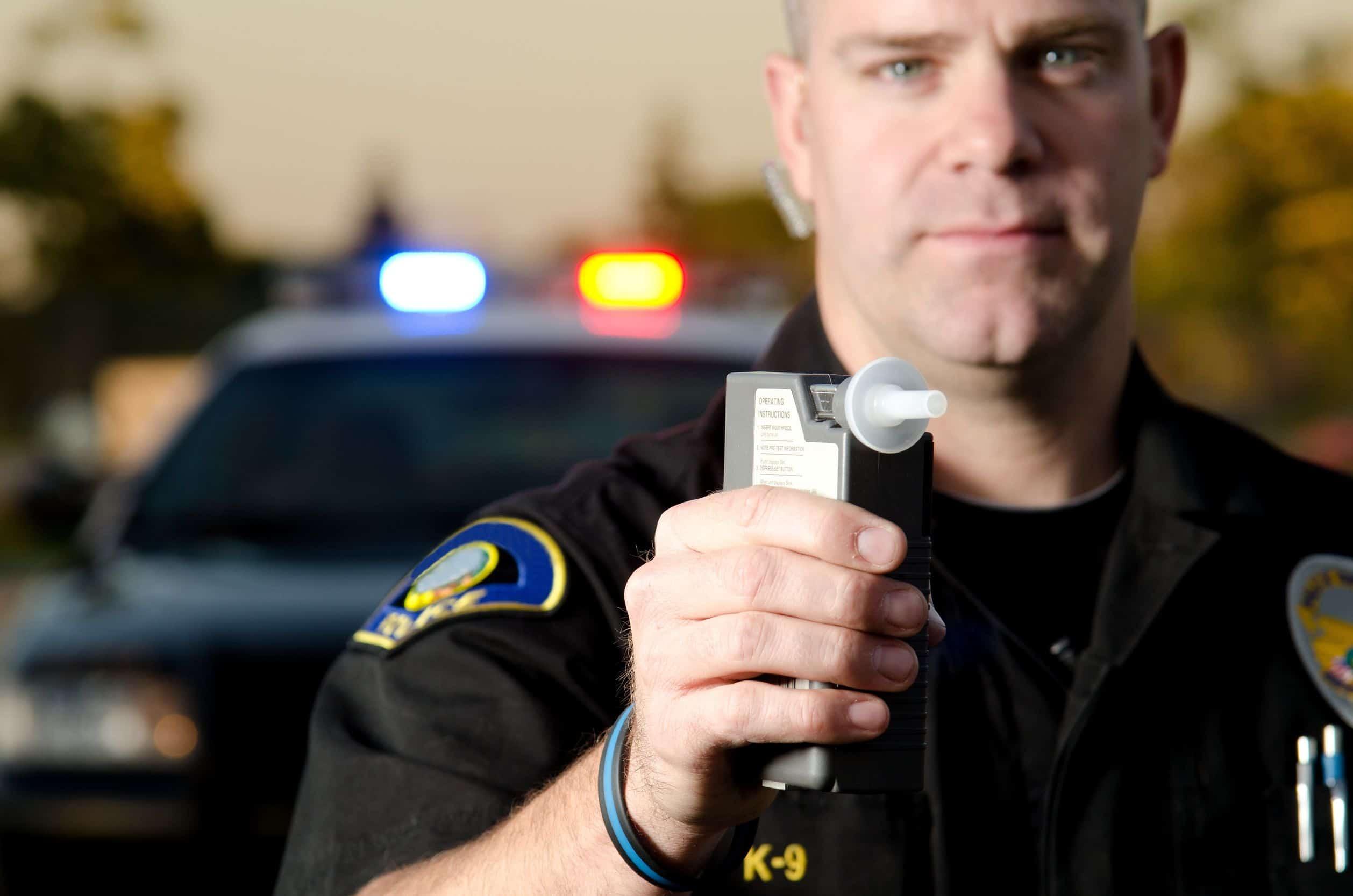 Bafômetro: equipamento não aferido pode cancelar a multa?