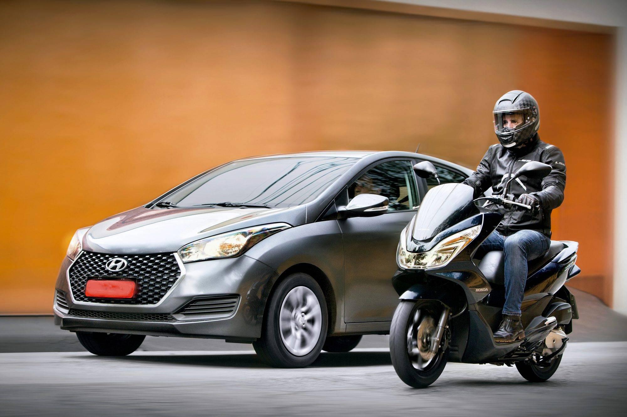 Infrações em motos afetam o direito de dirigir automóveis?