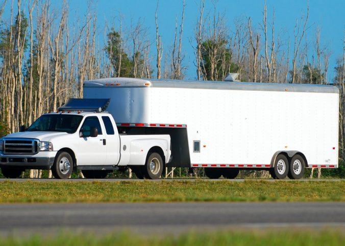 Projeto de lei permite que motorista com CNH B dirija veículo articulado com até 6 toneladas