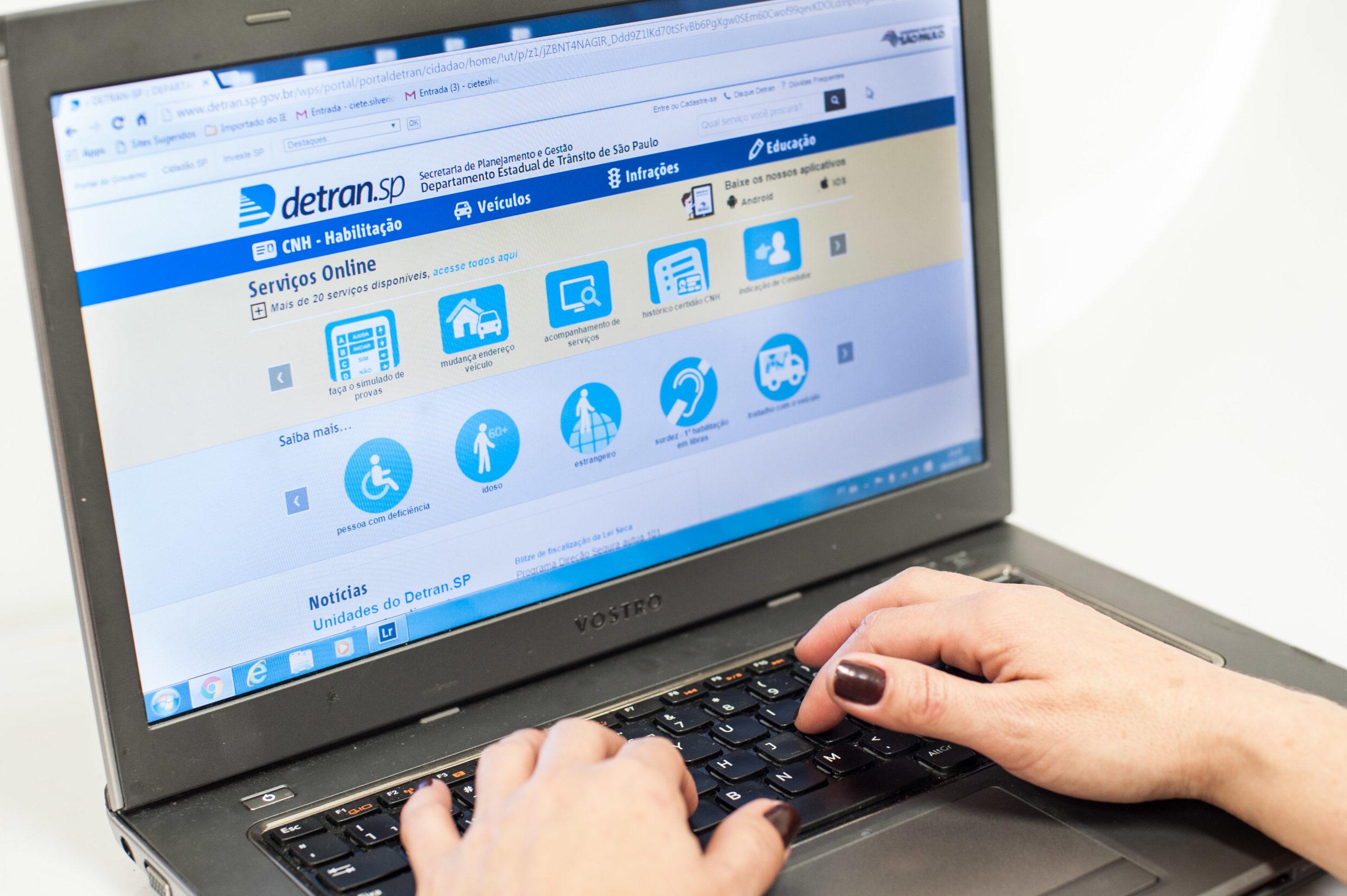 Consulte pelo site do Detran os pontos e multas da sua habilitação
