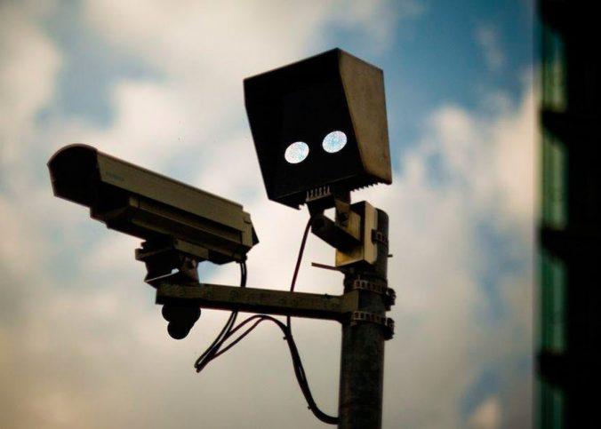 Projeto proíbe multas por radares móveis em velocidades abaixo de 120Km/h